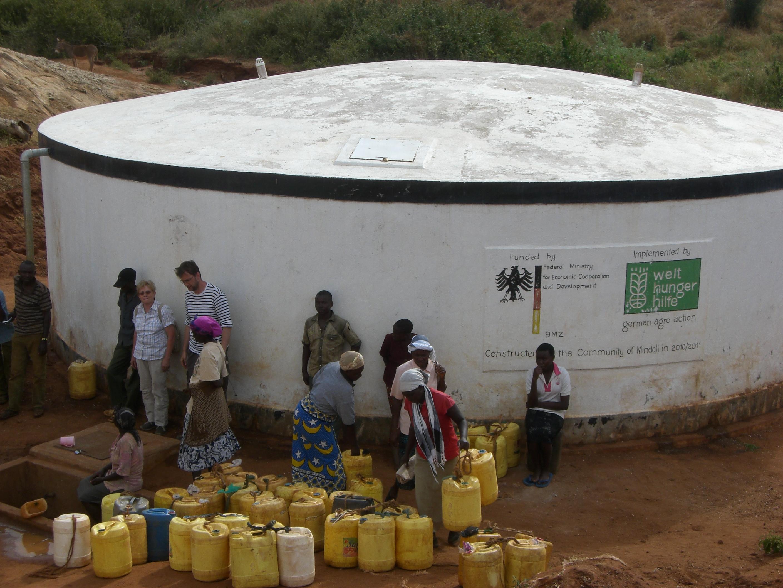 Wasserausgabe